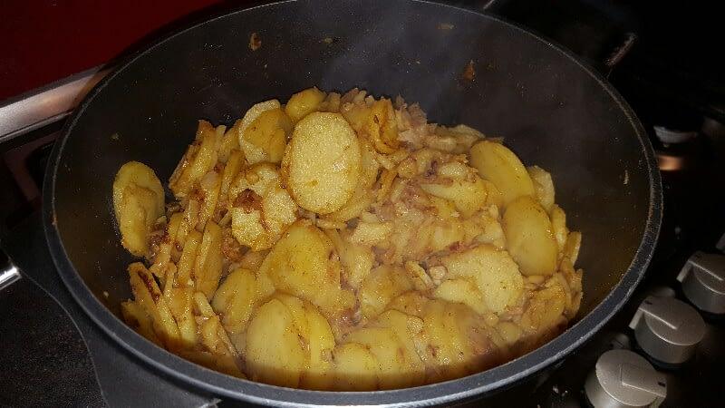 Recette pommes de terre sautées aux épices rectifiez l'assaisonnement