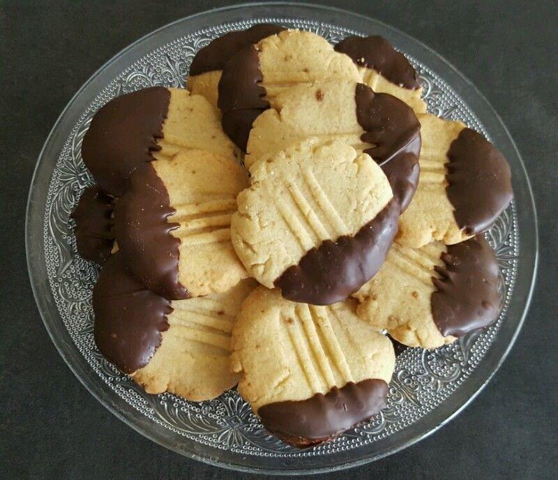"""Petits biscuits sablés au chocolat """"Pattes de chat"""""""